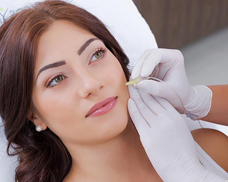Jean-Baptiste-Klinika-Spa-Kielce-zabieg-dla-kobiet-Karboksyterapia-twarzy-Kielce
