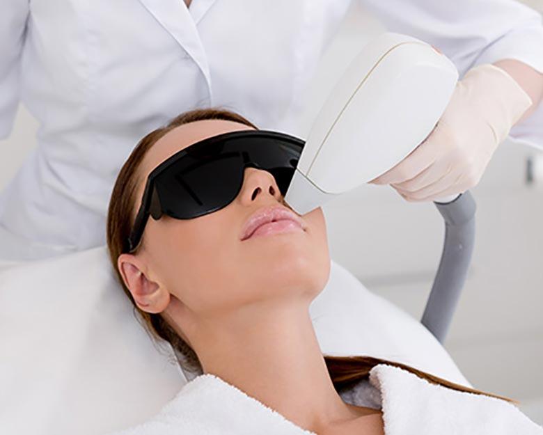Jean-Baptiste-Klinika-Spa-Kielce-zabieg-dla-kobiet-Laserowe-usuwanie-owłosienia-twarzy-Kielce