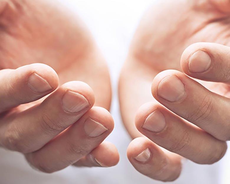 Jean-Baptiste-Klinika-Spa-Kielce-zabieg-dla-mężczyzn-Terapia-na-przebarwienia-na-dłonie-Kielce