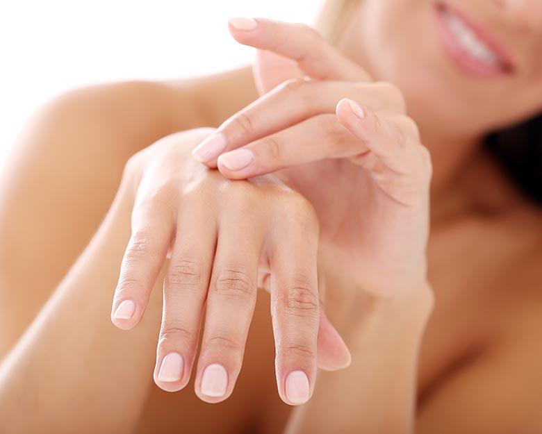 Fotoodmładzanie dłoni - zabieg dla kobiet