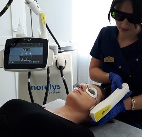 Laserowe usuwanie rumienia twarzy i szyi – laser Nordlys by Ellipse
